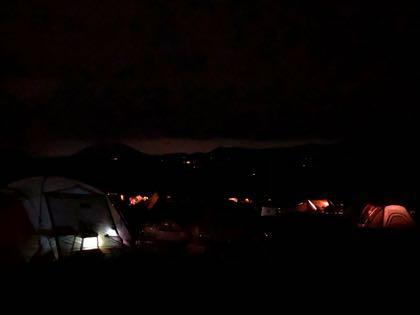 夜のふもとっぱらキャンプ場